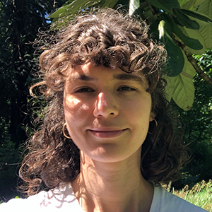 Sarah-Gruver_landscape-garden-designer_home-outside_meet-the-team
